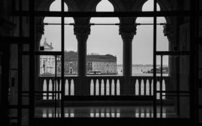 Venezia Black and White
